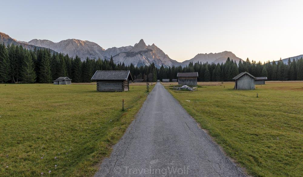 Alps Scenic Hikes - From Ehrwald to Lake Seebensee and Ehrwalder Sonnenspitze peak