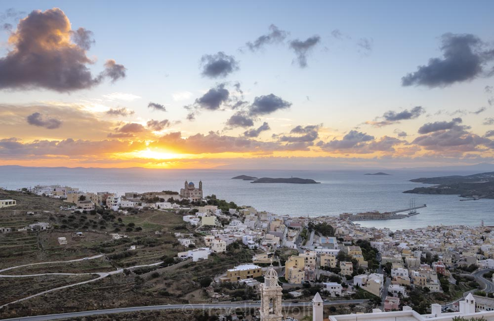Island Hopping on the Cyclades - a Two Week trip to Greece