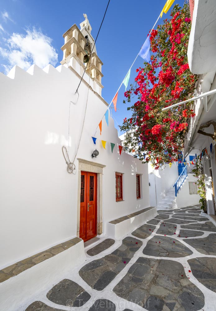 mykonos-village-church-bougainvilleas-cyclades-greece