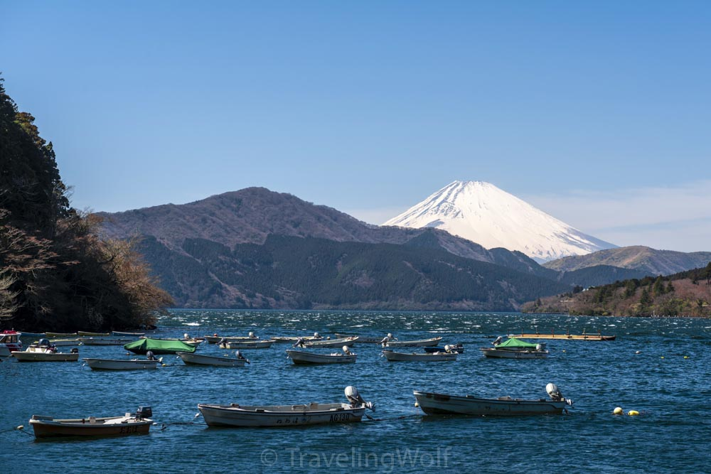 hakone boats mount fuji japan