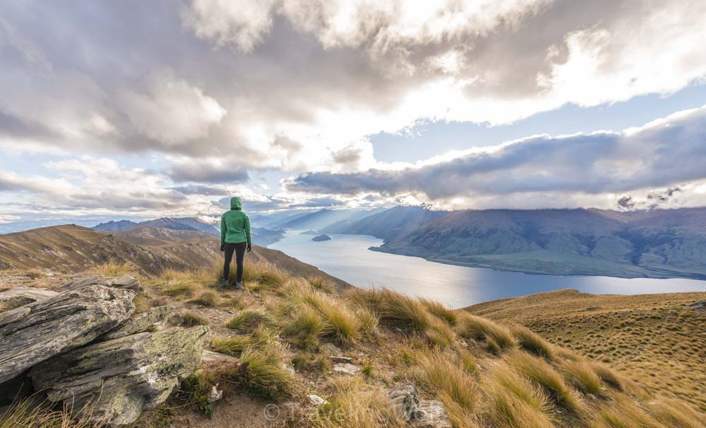 isthmus peak wanaka new zealand